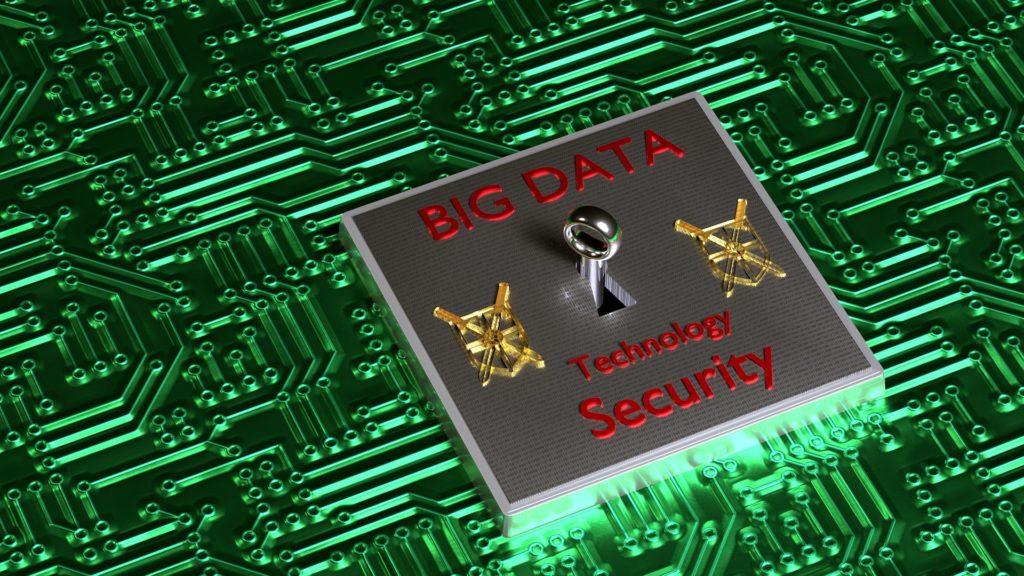 En nøkkel på et kretskort med påskriften BIG DATA Technology Security