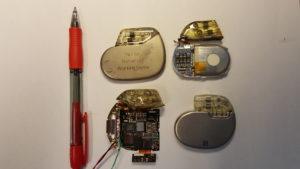 Her er noen av pacemakerne som vi forsker på. Foto: Marie Moe